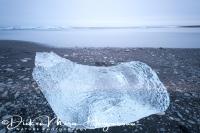 joekulsarlon_ijsrots_op_strand_-_icerock_on_black_beach_20150224_1769983917