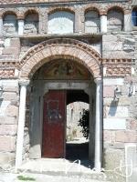 klooster_ypsilou_-_monastery_entrance_20150527_1023659957